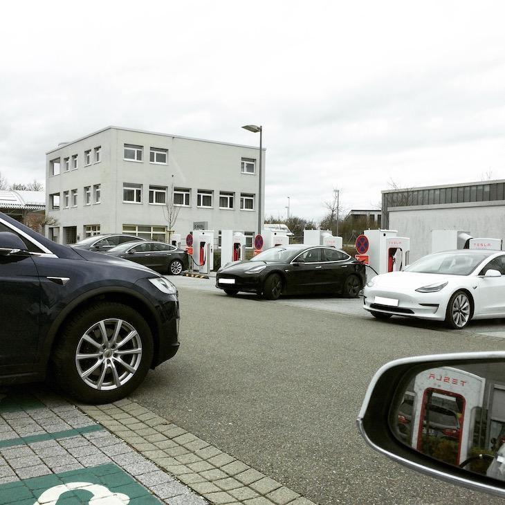 Tesla Model 3 - immer mehr sind unterwegs